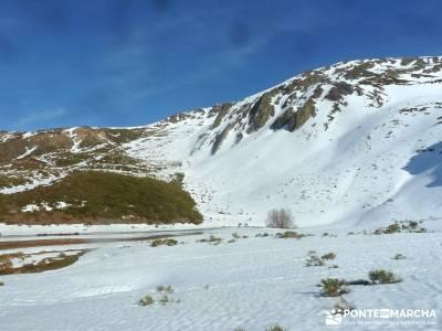 Montaña Leonesa Babia;Viaje senderismo puente; caminata rápida beneficios para la salud senderismo